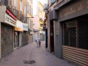 Une rue désertée