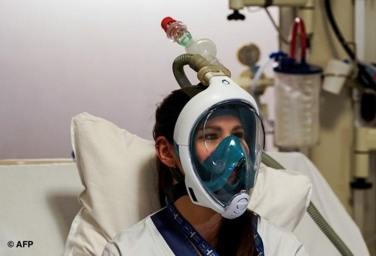 masques de plongée adaptée à la ventilation de malades